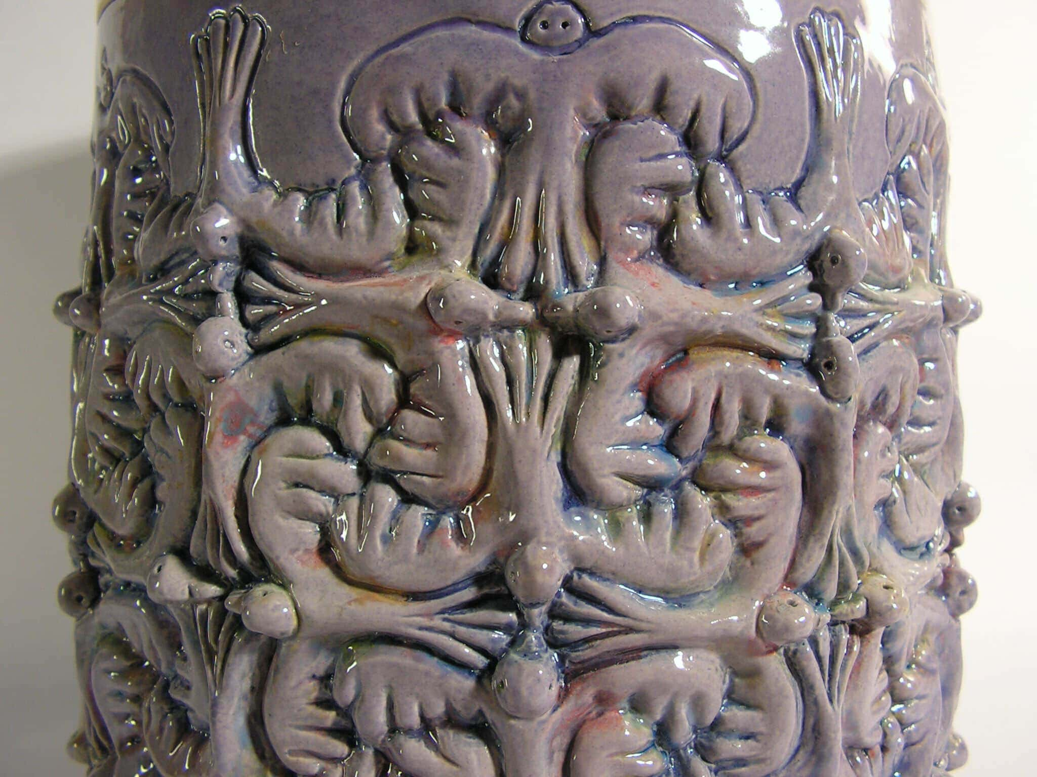 vogel urn paars, detail