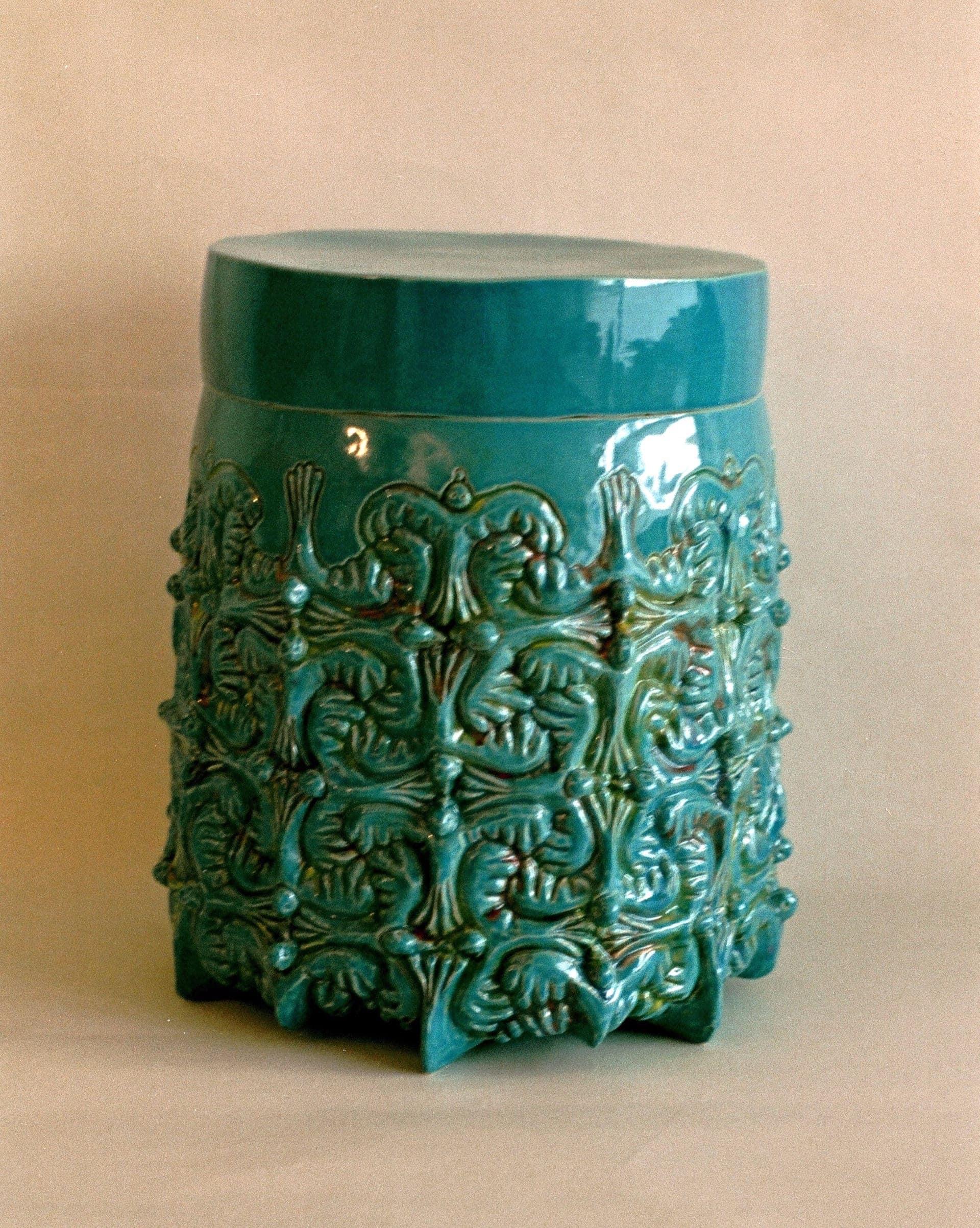 vogel urn turquoise